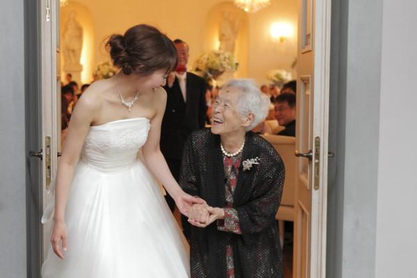 ウエディングドレス|おばあちゃん