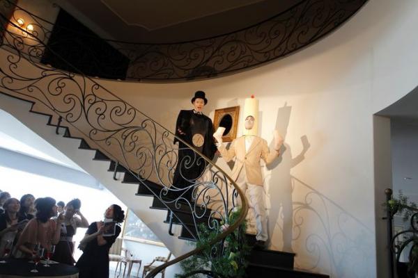ウエディングパーティ|螺旋階段|ピエトラセレーナ