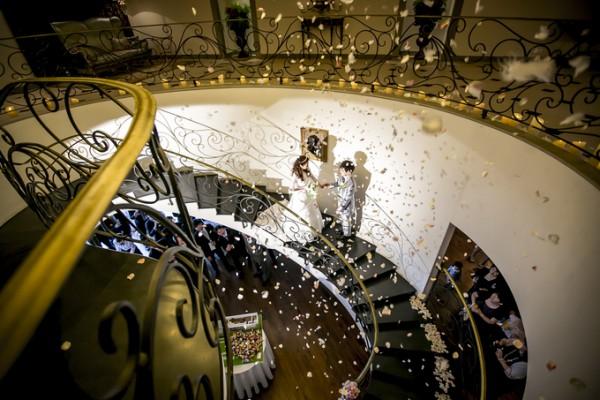 ピエトラセレーナ|螺旋階段|ウエディングパーティ