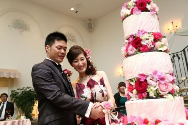 ケーキ入刀|ウエディングパーティ|ピエトラセレーナ