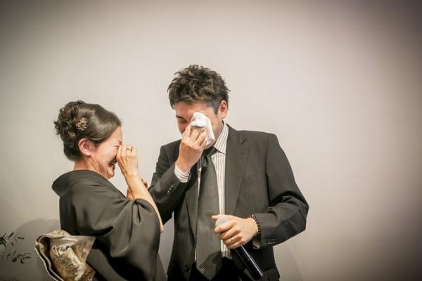 結婚式|涙|家族