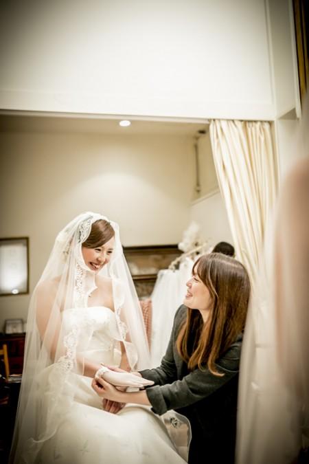 ウエディングドレス姿の花嫁