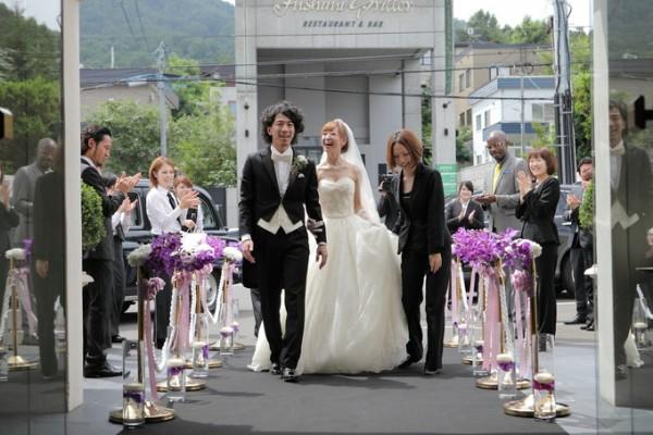 結婚式当日|お出迎え|新郎新婦|ピエトラセレーナ