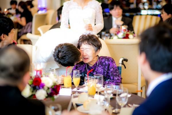 新郎様とおばあちゃん|ピエトラセレーナ
