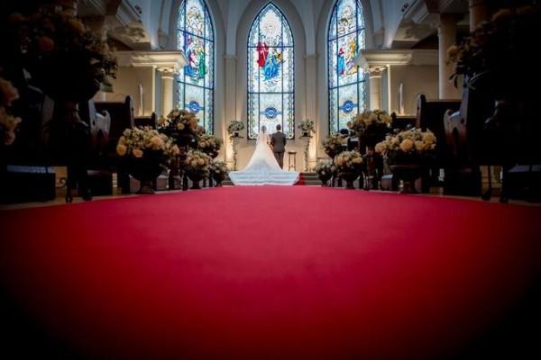 バージンロード|礼拝堂