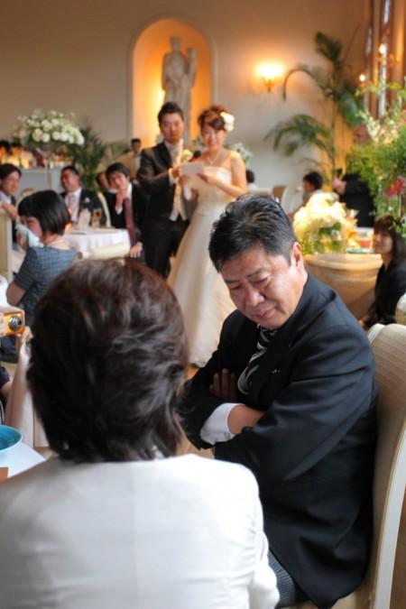 涙ぐむお父様|結婚式当日|ピエトラセレーナ