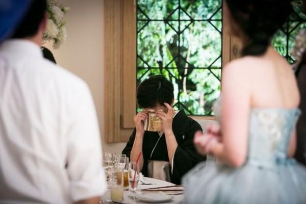 結婚式で泣いているお母様|ピエトラセレーナ