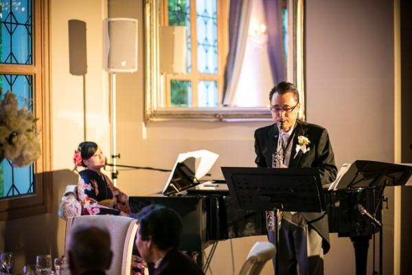 結婚式で演奏するお父様