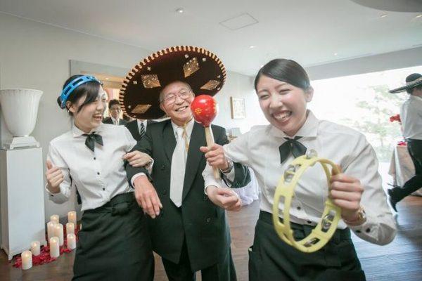 働くスタッフ|結婚式