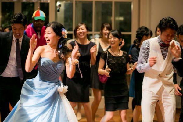 ダンスを踊る花嫁様