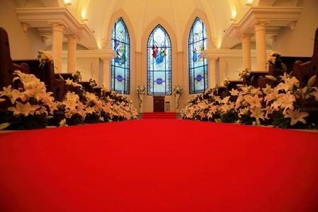 バージンロード|ローズガーデンクライスト教会