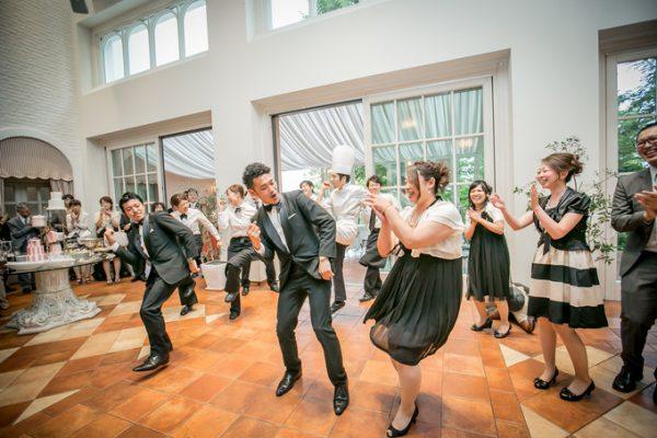スタッフとダンス|ピエトラセレーナ